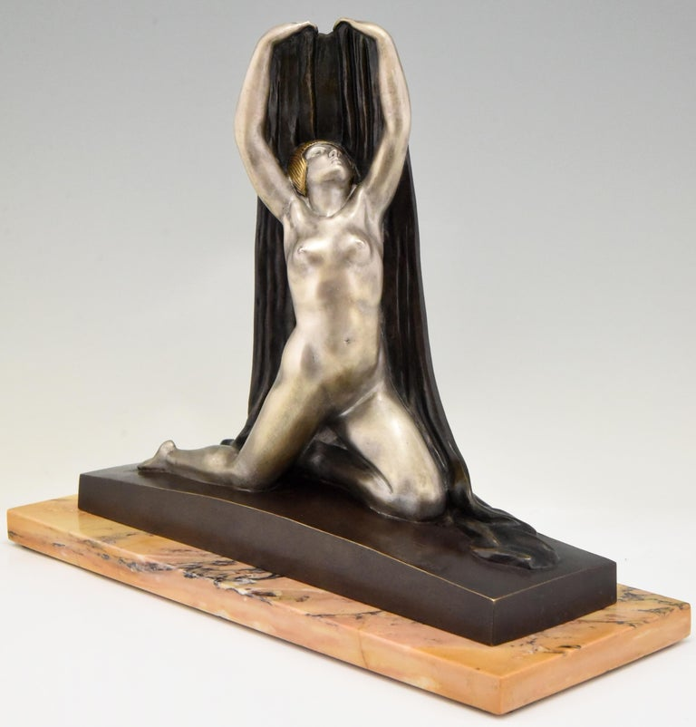Patinated Art Deco Bronze Sculpture Nude with Drape F. Trinque, France, 1920 For Sale