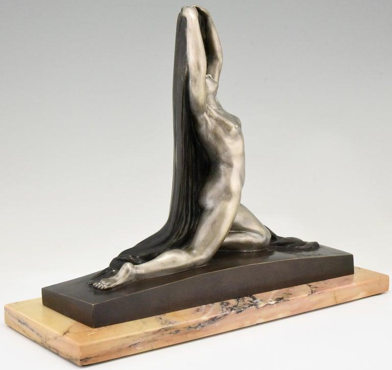 Art Deco Bronze Sculpture Nude with Drape F. Trinque, France, 1920 For Sale 2