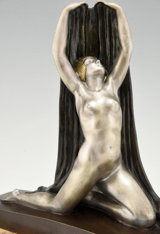 Art Deco Bronze Sculpture Nude with Drape F. Trinque, France, 1920 For Sale 3