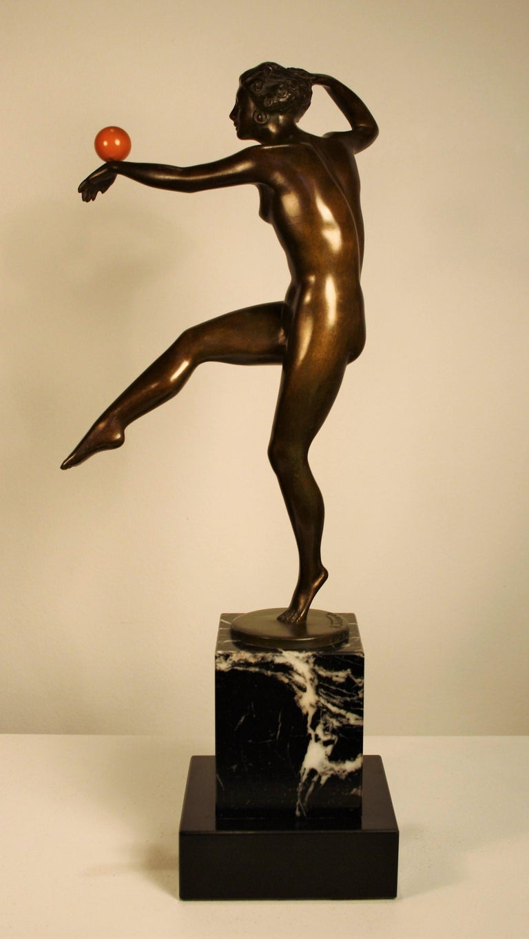 Patinated Art Deco Bronze Sculpture of a Nude Dancer, 1925 For Sale