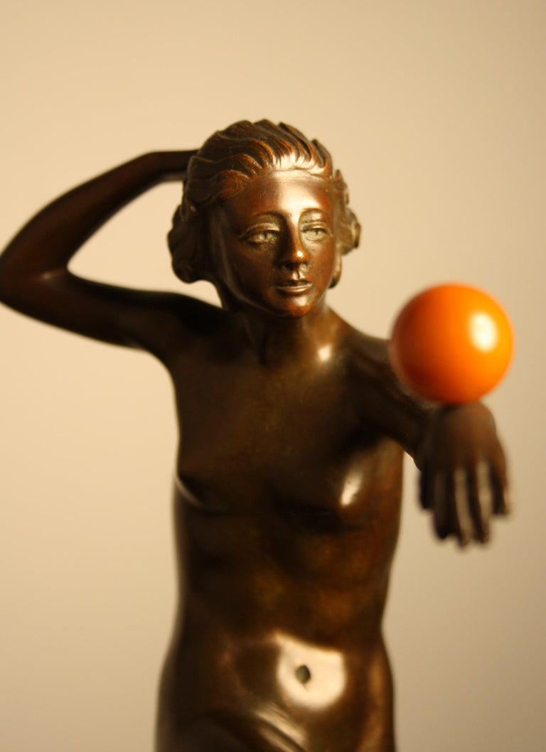 Early 20th Century Art Deco Bronze Sculpture of a Nude Dancer, 1925 For Sale