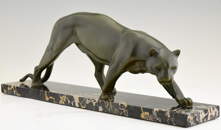 French Art Deco Bronze Sculpture of a Panther Irenee Rochard, 1930, France For Sale