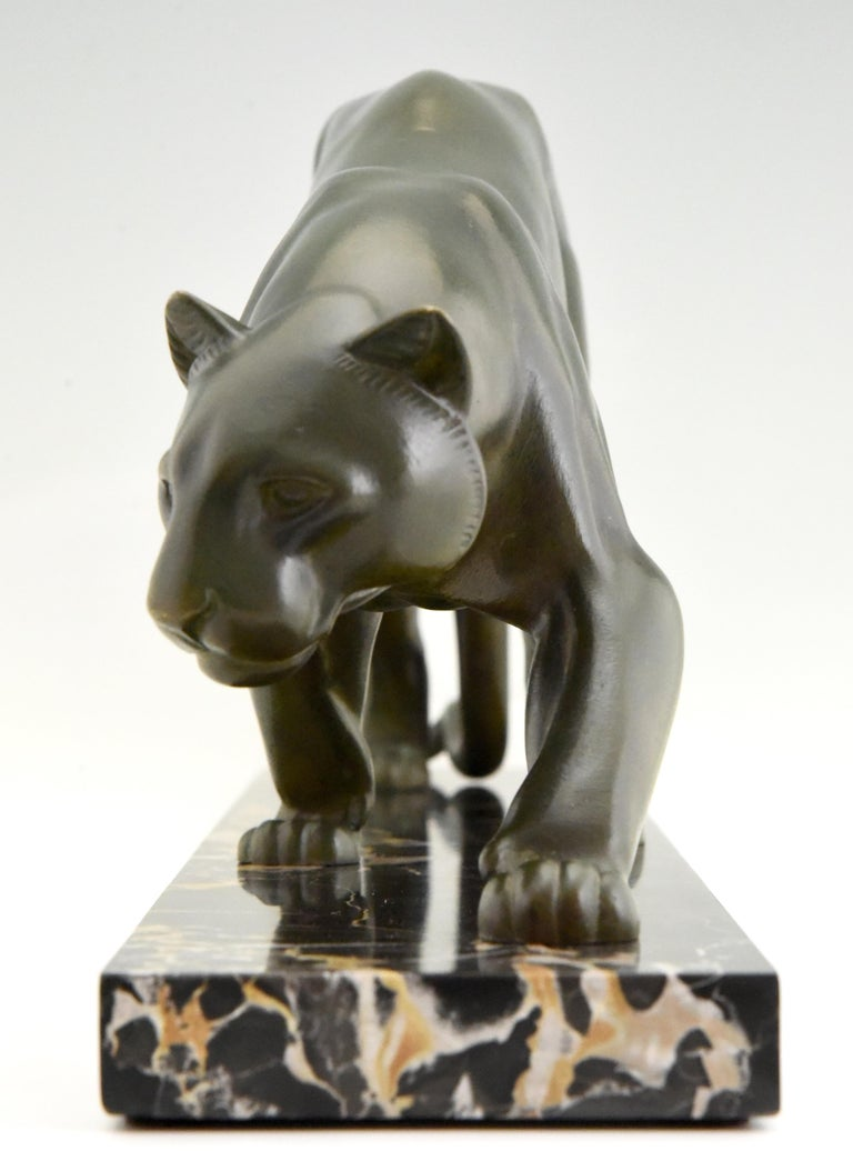 Patinated Art Deco Bronze Sculpture of a Panther Irenee Rochard, 1930, France For Sale