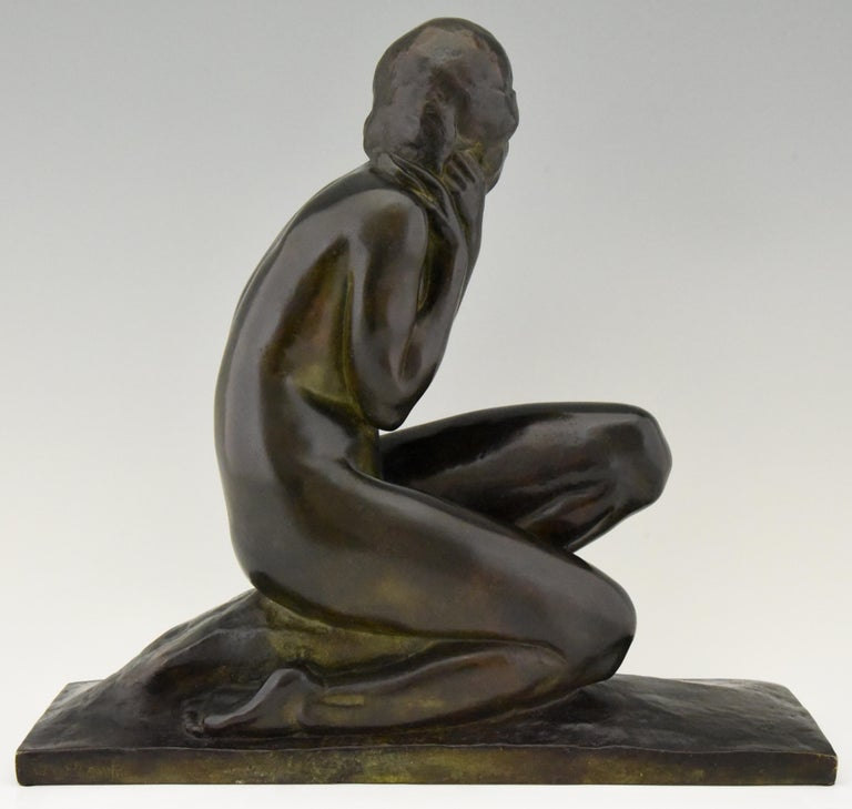 Art Deco Bronze Sculpture of a Seated Nude Jean Ortis, France, 1930 In Good Condition For Sale In Antwerp, BE