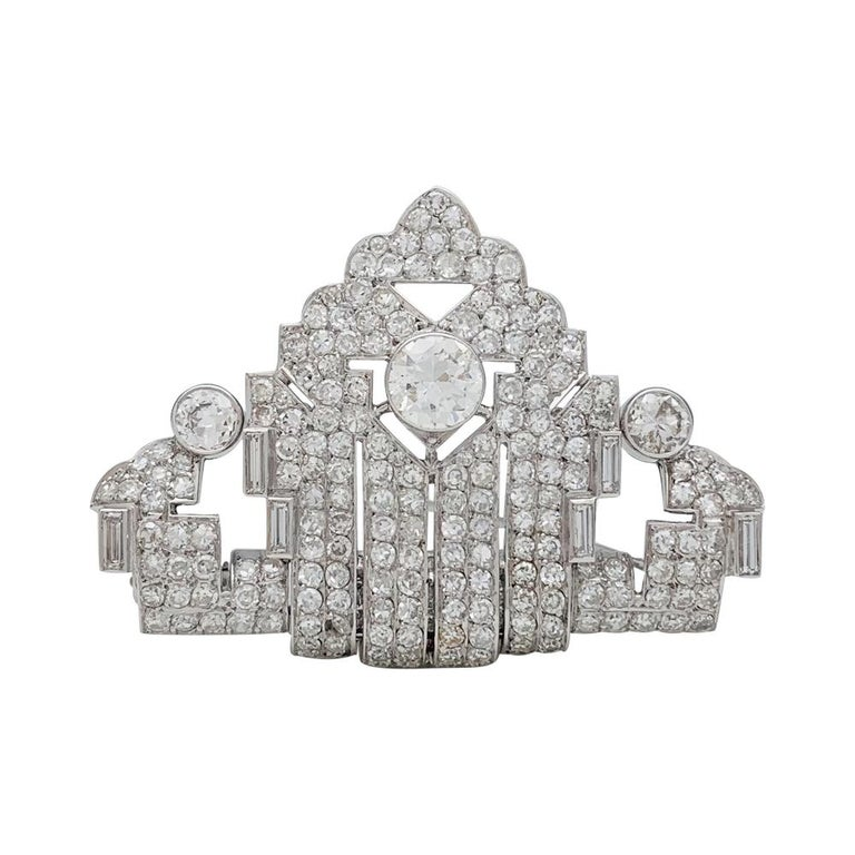 Art Deco Brooch, Platinum and White Gold and Diamonds In Excellent Condition For Sale In Paris, IDF