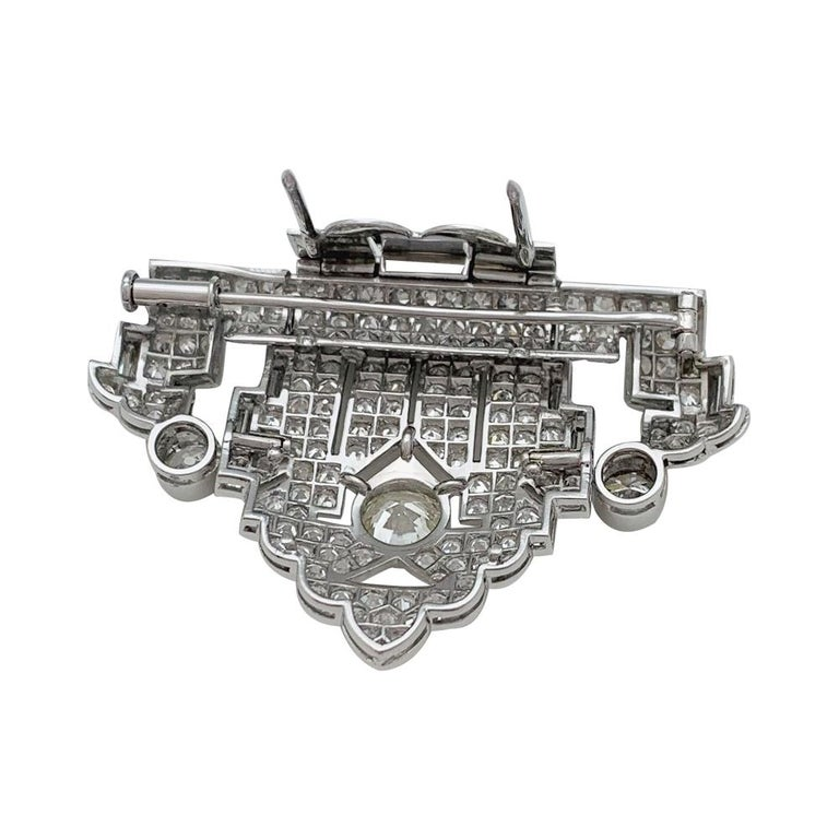 Art Deco Brooch, Platinum and White Gold and Diamonds For Sale 4