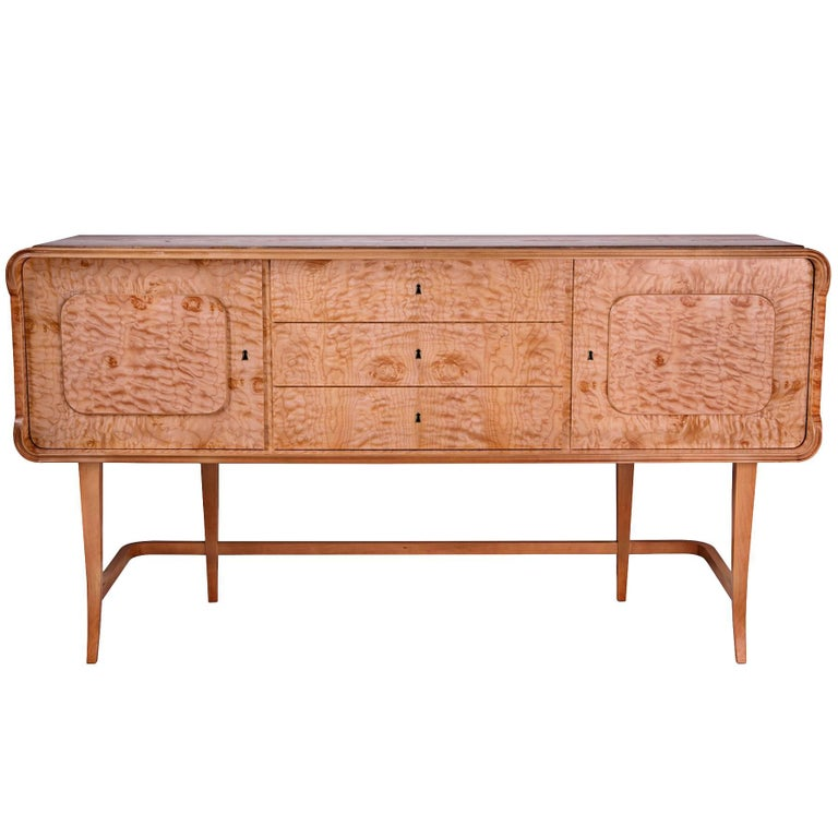 Art Deco Buffet Sideboard In Quilted Maple For Sale At 1stdibs