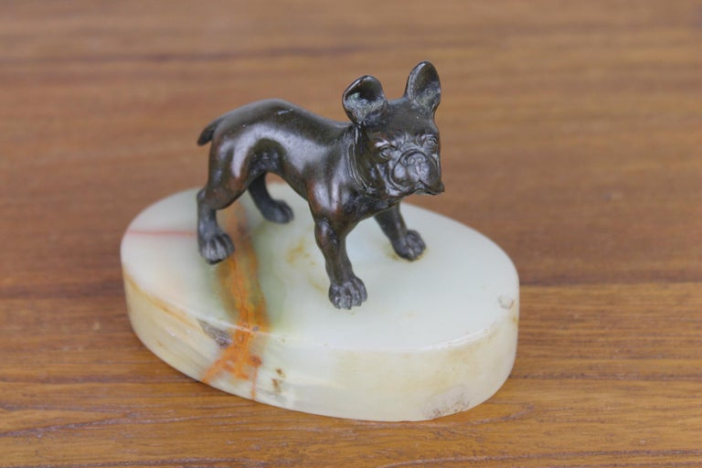 Art Deco Bulldog Dog Paperweight, Presse Papier on Marble Base In Good Condition For Sale In Antwerp, BE