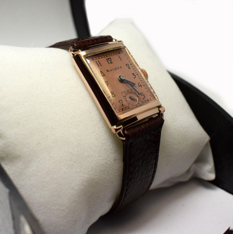 Men's Art Deco Bulova WW2 14 Karat Gold, 21 Jewels, Gents Wrist Watch, Newly Serviced For Sale
