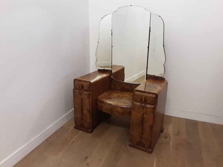 Art Deco Burr Walnut Bedroom Suite by Grange Furnishing Stores, London For Sale 5