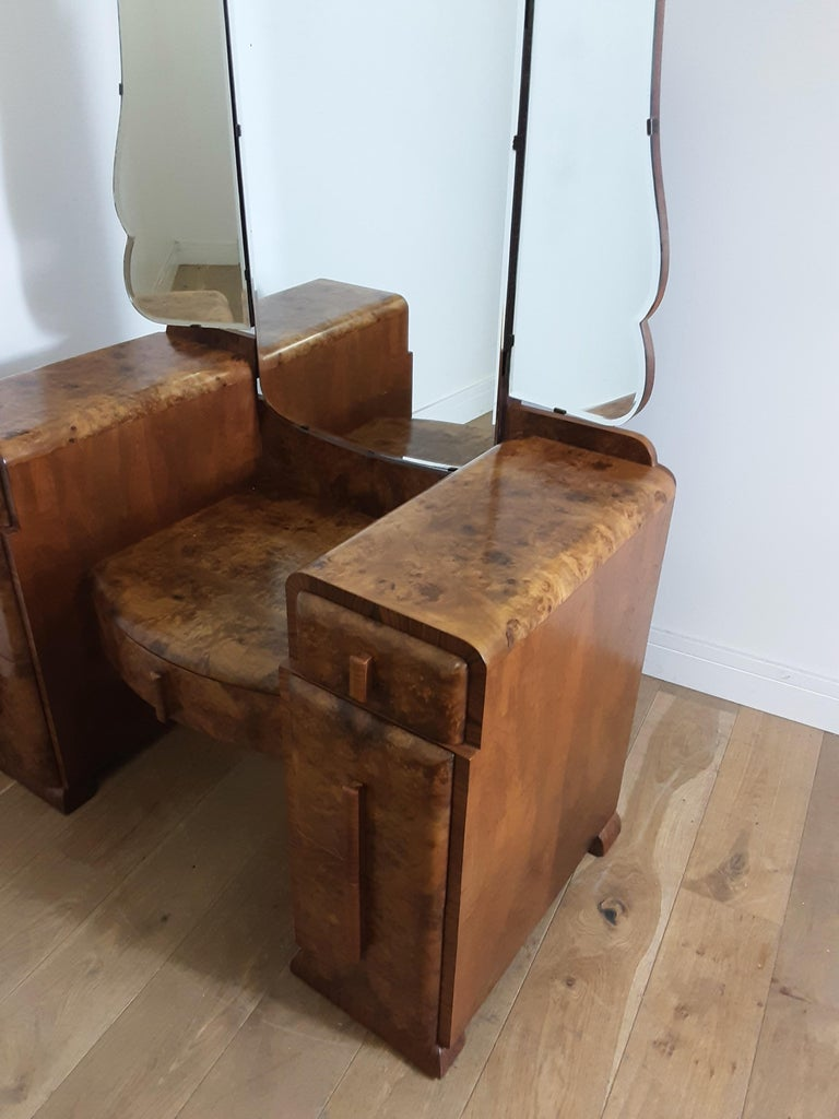 Art Deco Burr Walnut Bedroom Suite by Grange Furnishing Stores, London For Sale 7
