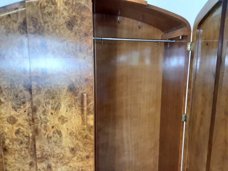 Art Deco Burr Walnut Bedroom Suite by Grange Furnishing Stores, London In Good Condition For Sale In London, GB