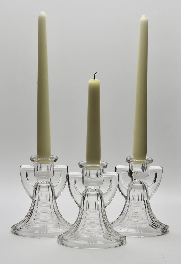 1935, Belgium Very nice Art Deco candlesticks model 'Victoria' from the verreries de Val Saint Lambert. Luxval design of Charles Graffart and René Delvenne.  The piece is in excellent condition and a real beauty!