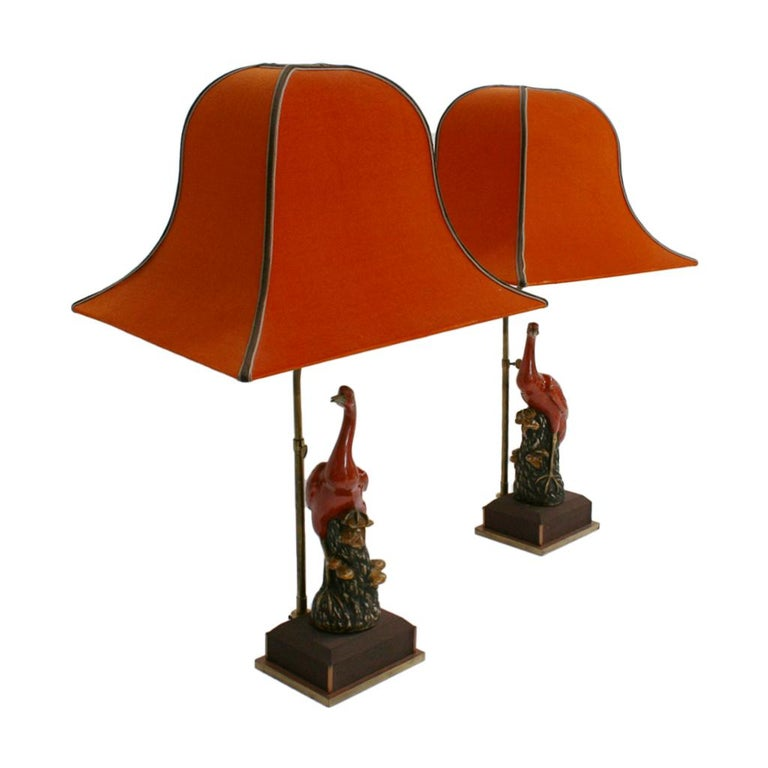 Italian Capodimonti pair of table lamps with oriental red lampshades. Base made of solid wood covered in silk. France, 1920s.
