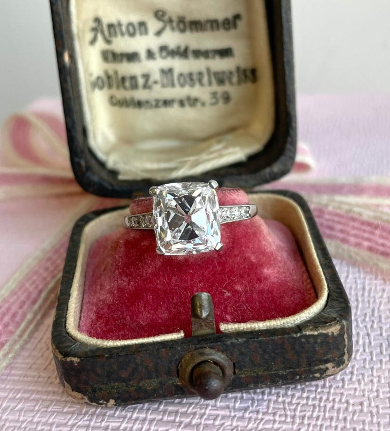 Art Deco Cartier GIA 4.02 Carat Old Mine Cut Diamond Platinum Ring In Excellent Condition For Sale In Beverly Hills, CA