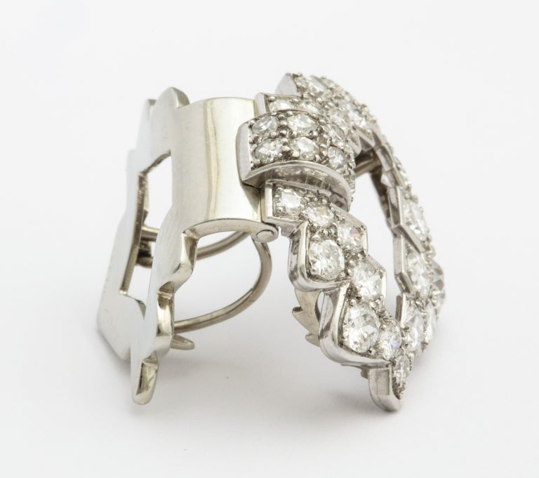 Art Deco Cartier Platinum and Diamond Clip In Excellent Condition For Sale In New York, NY