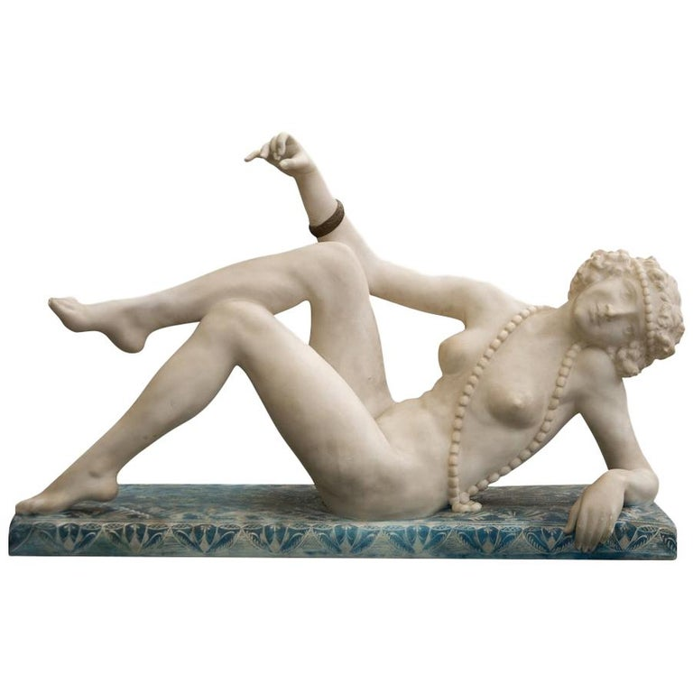 Art Deco Carved Alabaster Figure of a Posing Nude Lady, circa 1920 For Sale
