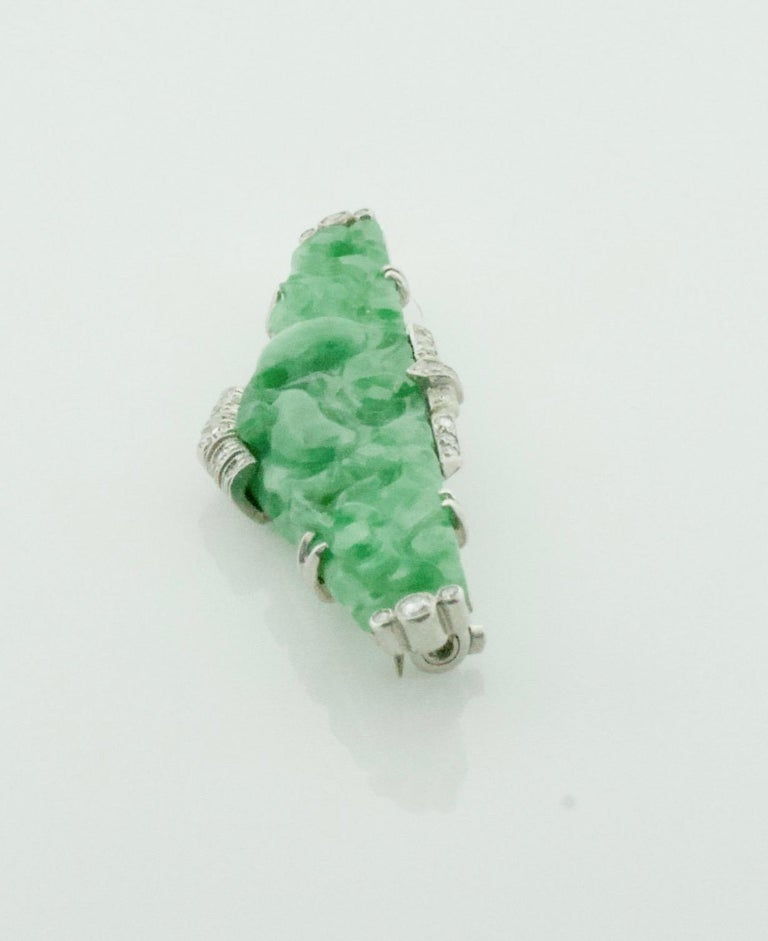 Art Deco Carved Jade and Diamond Brooch in Platinum, circa 1920s For Sale 2