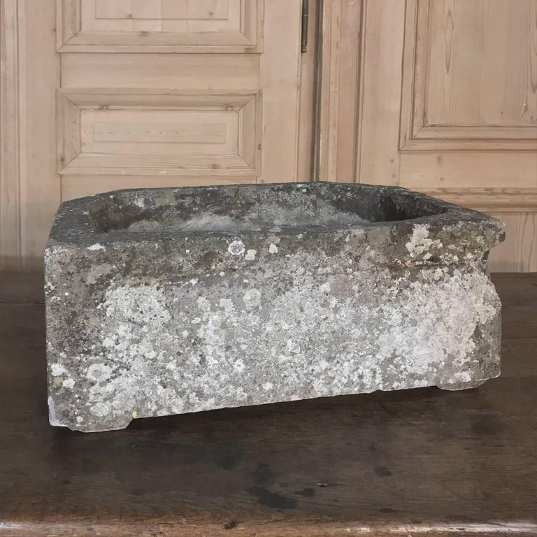 French Art Deco Carved Stone Jardinière, Fountain Basin For Sale 6