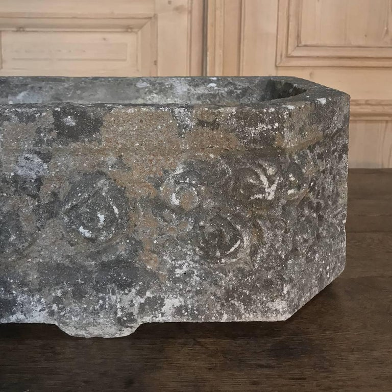 French Art Deco Carved Stone Jardinière, Fountain Basin For Sale 1