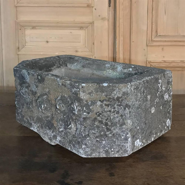 French Art Deco Carved Stone Jardinière, Fountain Basin For Sale 3
