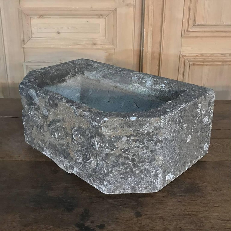 French Art Deco Carved Stone Jardinière, Fountain Basin For Sale 4