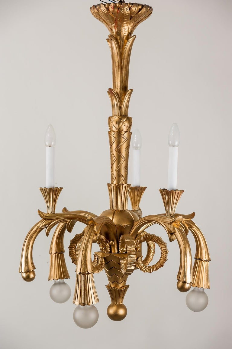 Art Deco Carved Wood Chandelier, 1930s In Good Condition For Sale In Wien, AT