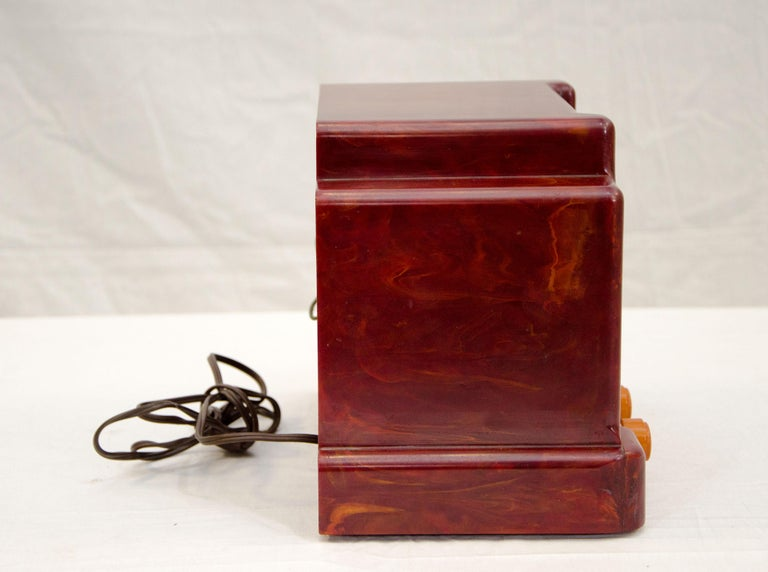 Art Deco Catalin Radio, Addison Model 5D In Good Condition For Sale In Crockett, CA