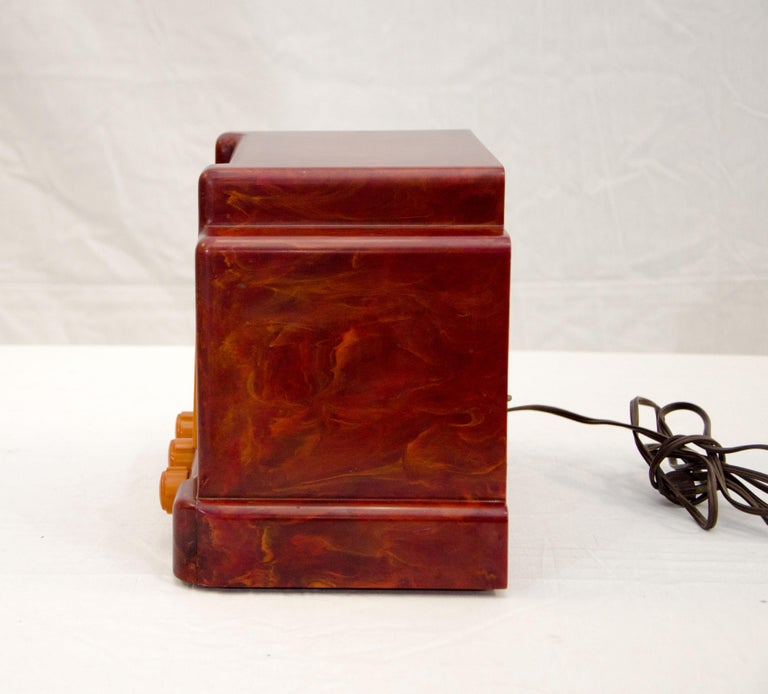 Art Deco Catalin Radio, Addison Model 5D For Sale 1
