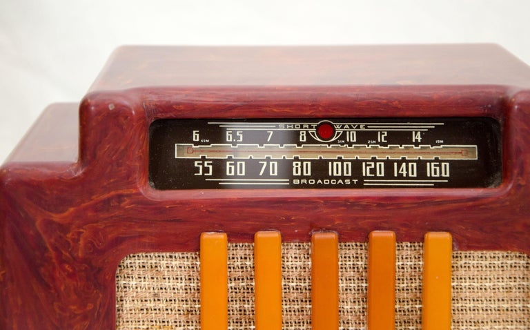 Art Deco Catalin Radio, Addison Model 5D For Sale 3