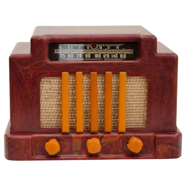 Art Deco Catalin Radio, Addison Model 5D For Sale