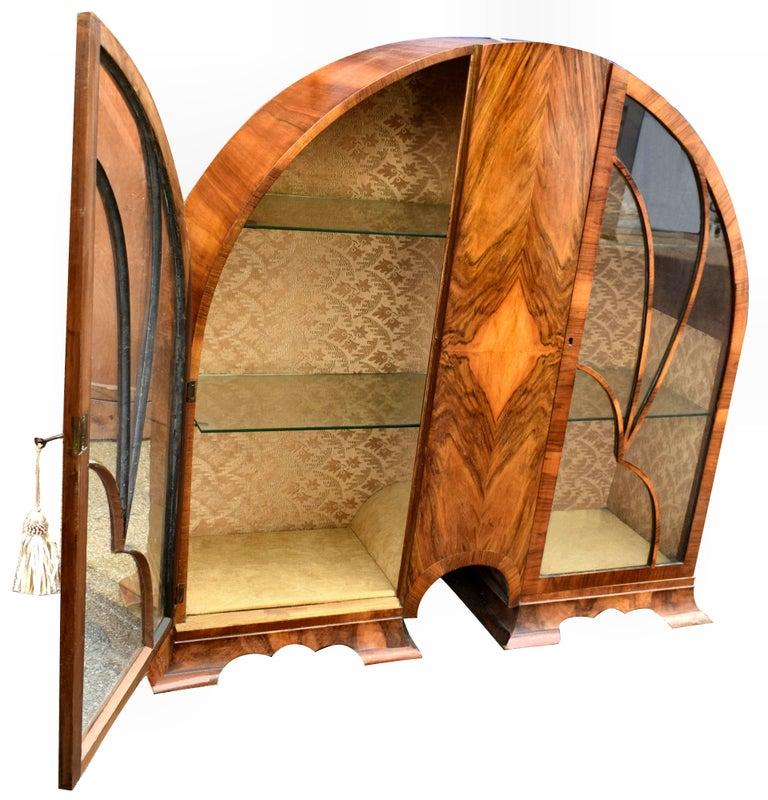 Art Deco Cathedral Display Cabinet, Vitrine, circa 1930 In Good Condition For Sale In Devon, England