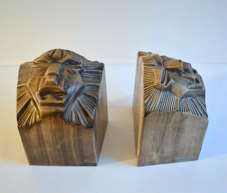 Art Deco Ceramic Bookends in the Shape of Lion Heads For Sale 3