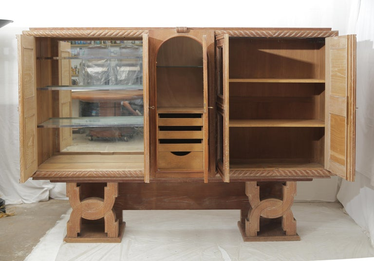 Art Deco Cerused Oak & Verre Églomisé Cabinet in the Style of Moreux, circa 1940 For Sale 8
