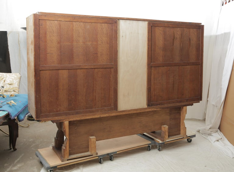 Art Deco Cerused Oak & Verre Églomisé Cabinet in the Style of Moreux, circa 1940 For Sale 13