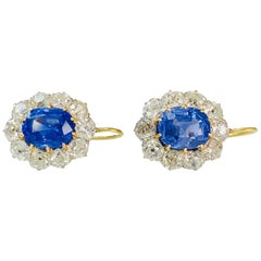 Art Deco Style Blue Sapphire and Diamond Earrings in 18 Karat Gold and Platinum