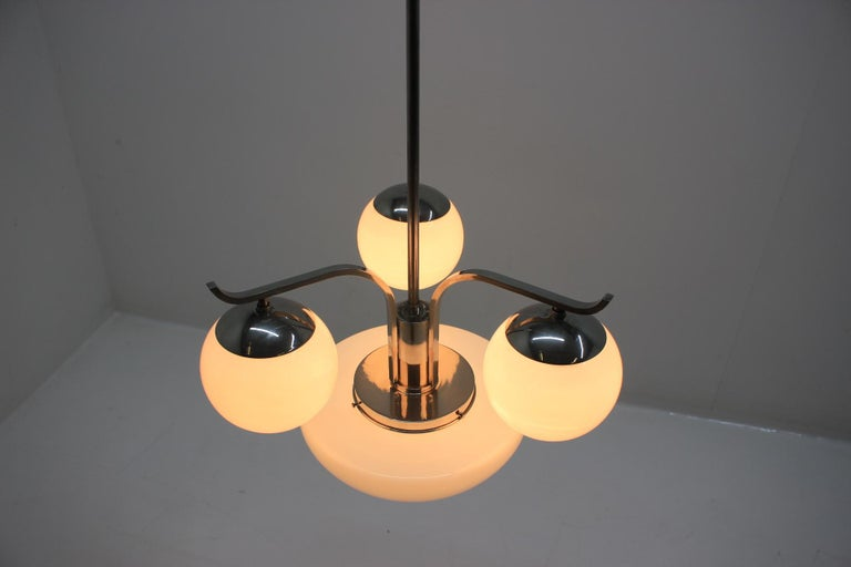 Art Deco Chandelier, 1930s In Good Condition For Sale In Barcelona, ES