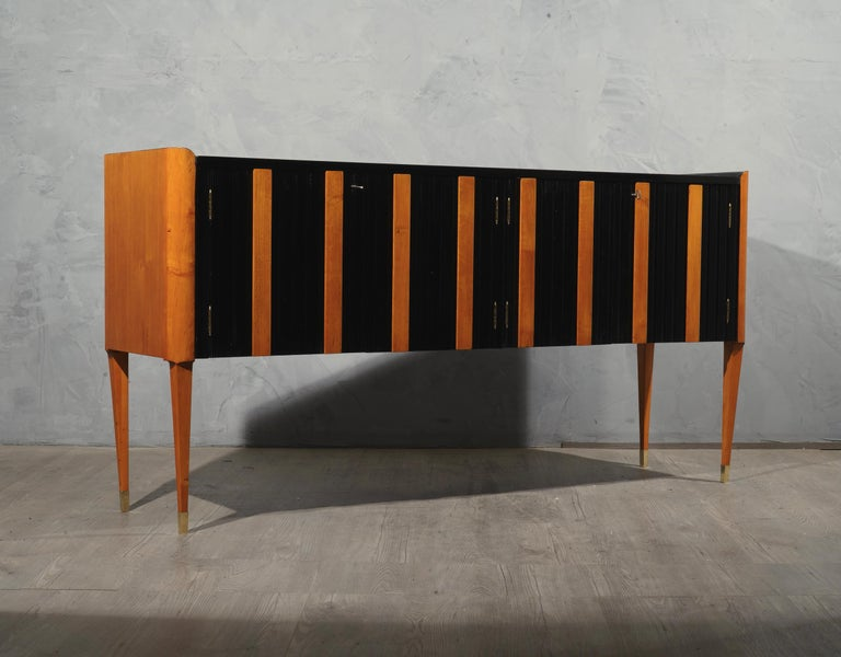 Art Deco Cherrywood and Black Lacquer Italian Sideboard, 1940 For Sale 5
