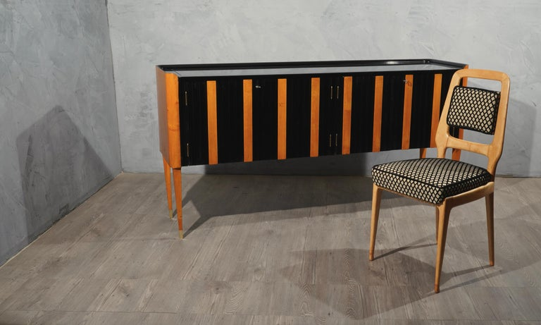 Art Deco Cherrywood and Black Lacquer Italian Sideboard, 1940 In Good Condition For Sale In Rome, IT
