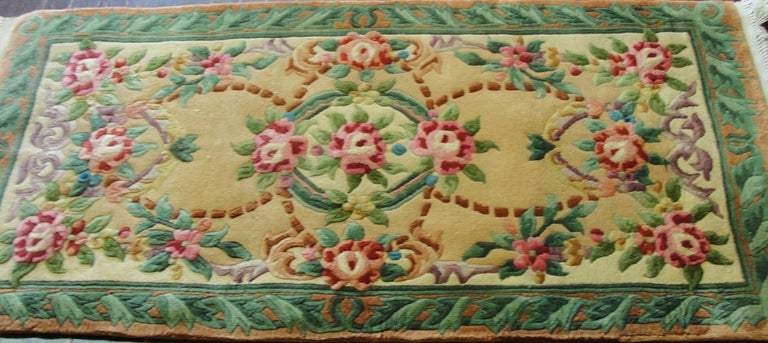 Art Deco Chinese Rug In Excellent Condition For Sale In Evanston, IL
