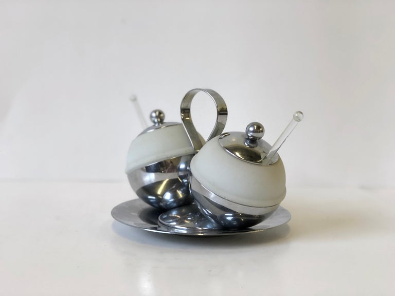 Art Deco Chrome and Glass Serving Piece by Chase In Good Condition For Sale In Atlanta, GA