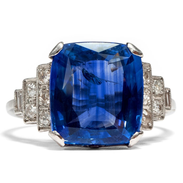 "Some few precious jewels have become deeply ingrained in our collective memory. Some of them exist in reality, such as the blue Hope diamond. Others exist only in fantasy, such as the ""heart of the ocean"", a central point to the plot of James"