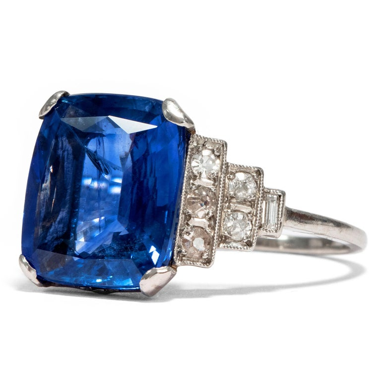 Art Deco Art Déco  8.20 Carat Natural Blue Sapphire Diamond Platinum Cocktail Ring For Sale