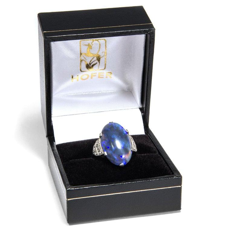 Art Deco circa 1930, Black Opal and Diamond Platinum 18 Karat Gold Cocktail Ring For Sale 3
