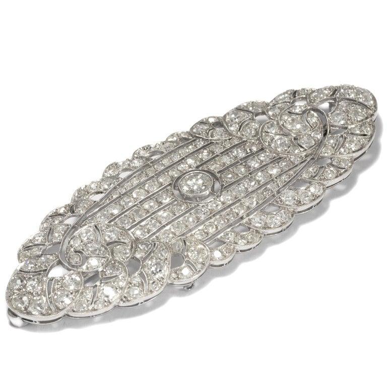 Art Deco Art Déco circa 1930, Certified 7.3 Carat Diamond and Platinum Filigree Brooch For Sale
