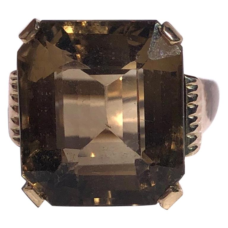 Art Deco Citrine and 9 Carat Gold Cocktail Ring For Sale
