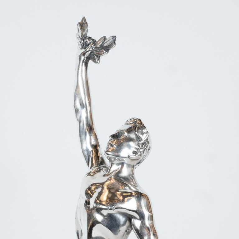 Art Deco Classical Figurative Silvered Sculpture with Wing and Acanthus Motifs For Sale 4