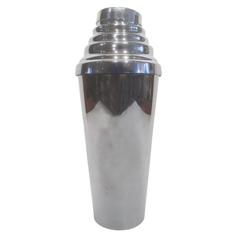 Art Deco Cocktail Shaker by Glo-Hill with Sleek body and Stepped Top For Sale