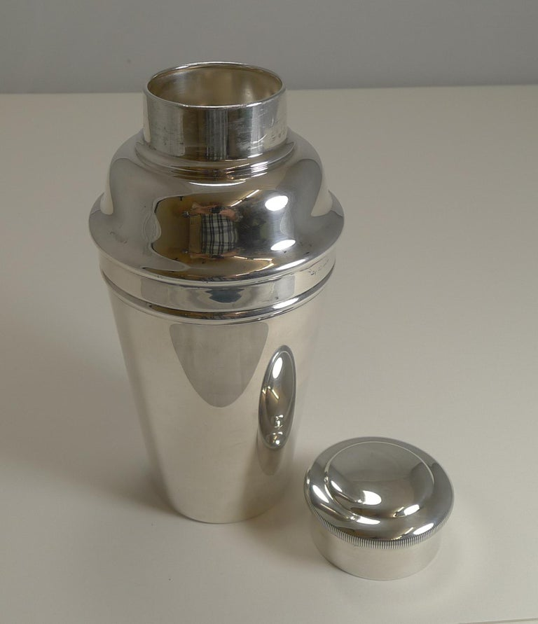 Art Deco Cocktail Shaker With Integral Ice Crusher by William Sturtcliffe For Sale 2