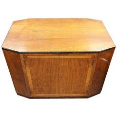 Art Deco Cocktail Table in Walnut and Macassar Ebony